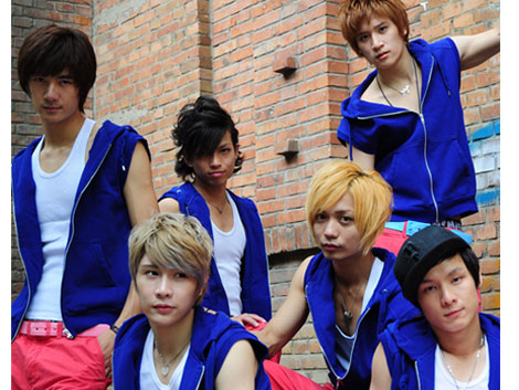 ... 位成员,分为少年组和青年组,少年组(左溢、徐浩